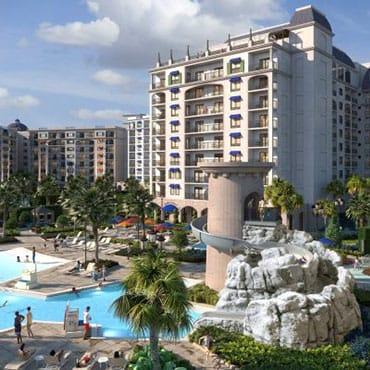 Disney's Riviera Resort met rooftop dining en uitzicht op de parken in Walt Disney World