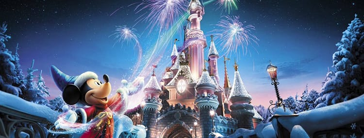 Kerst in Disneyland Paris met de shows The Starlit Princess Waltz en Surprise Mickey