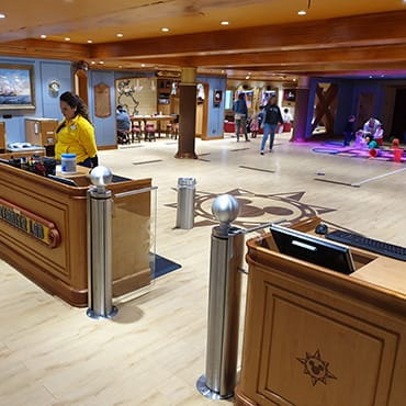 Rondleiding door alle Kids Clubs van Disney Cruise Line aan boord de Disney Magic
