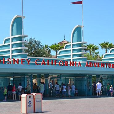 Disneyland Resort opent Disney California Adventure Park met winkels en Disney figuren