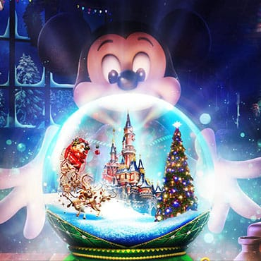 Kerst in Disneyland Paris met speciaal entertainment, selfie spots, Disney figuren en decoratie