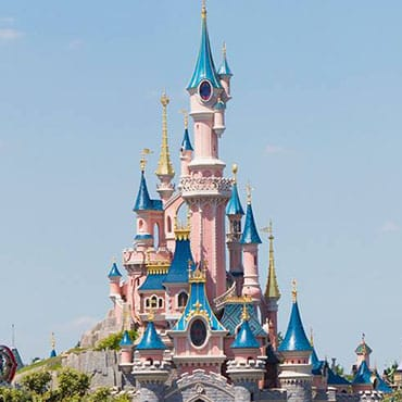 Behind the Magic: Ontwerp, bouw & geheimen van het kasteel in Disneyland Paris