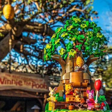 Winnie the Pooh LEGO bouwpakket met een boomhuis en Disney figuren - 21326