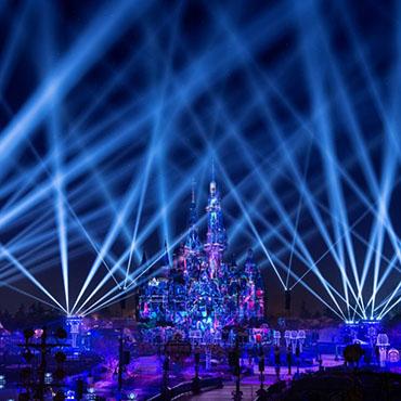 Spectaculaire nieuwe Disney avondshow 'Illuminate!' met vuurwerk in Shanghai Disneyland