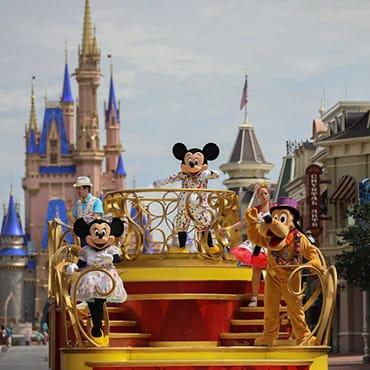 Eerste blik: Walt Disney World opent de parken met nieuw entertainment en Disney figuren