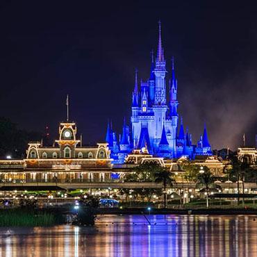 Avondshows keren terug in Walt Disney World met entertainment in alle parken