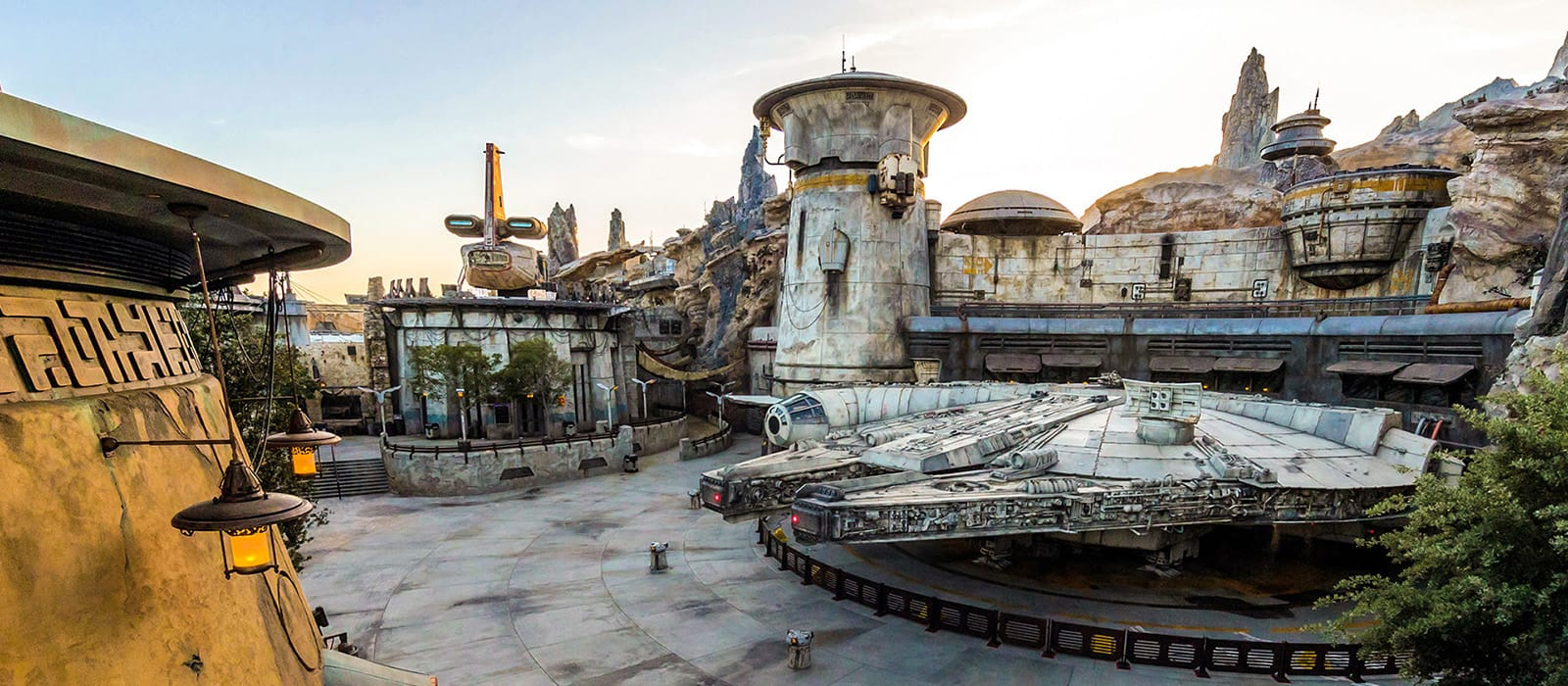 Star Wars Land <br> in Disney World